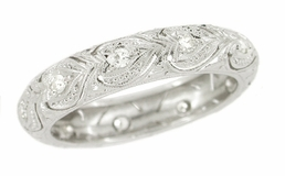 Art Deco Diamond Set Hearts Antique Wedding Band in Platinum - Size 8 1/4