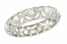 Art Deco Diamond Set Antique Wedding Band in Platinum - Size 6 1/4