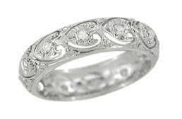 Art Deco Diamond Set Hearts Antique Wedding Band in Platinum - Size 5