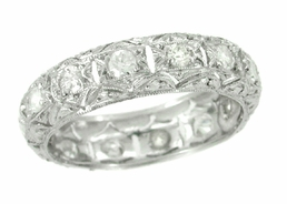 Art Deco Diamonds Antique Wedding Band in Platinum - Size 8