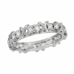 Art Deco X Kisses Antique Diamond Wedding Band in 18 Karat White Gold - Size 6 1/4