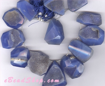 Druzy Dark Blue Nuggets 15 x 25 mm