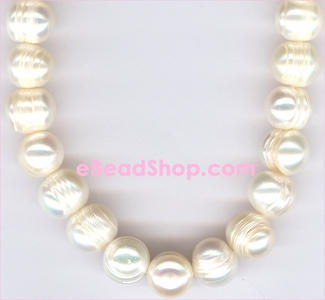 Pearl: Light White Freshwater with Lines<br>8-9 mm