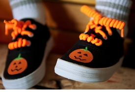 black pumpkin halloween sneaker