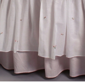 gordonsbury rosebuds embroidered crib skirt