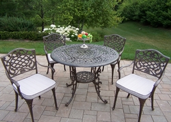 Oakland Living Mississippi 42 Inch 5Pc Dining Set with Cushions - click to enlarge