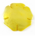 Yellow Painted Hammershell Flower Pendant 30mm