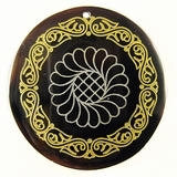 Black Pen Shell Lace Design Laser Engraved Pendant