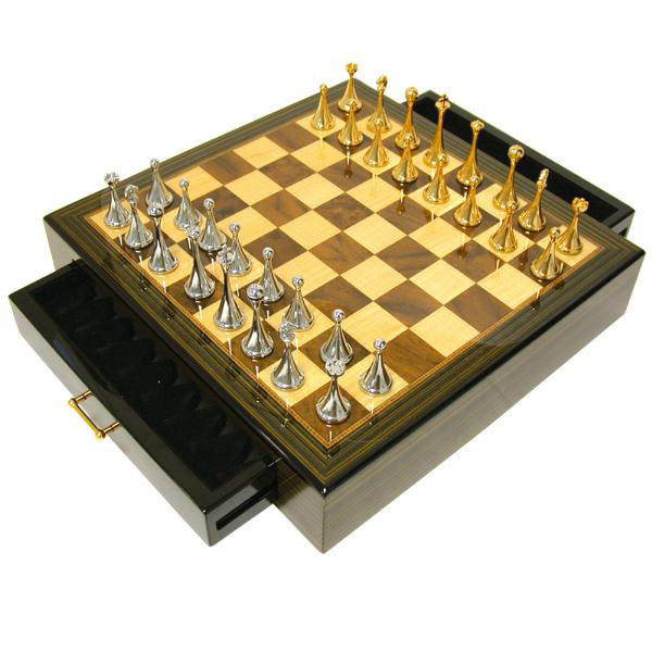 Hi-Gloss Ebony Chess Set