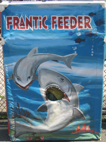 Frantic Feeder Toss Game