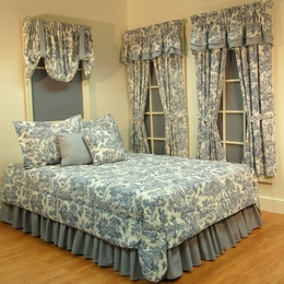 Victoria Park Toile Full Comforter Set - 14 Inch Drop