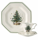 Nikko China Dinnerware Christmastime 12 Piece Dinner Set