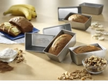 "USA Pan - Mini Loafs - Set of 4  (5�"" x 3"" x 2�"" each)"