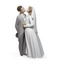 Lladro A Kiss To Remember Figurine