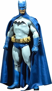 DC Sideshow Collectibles 1/6 Scale Figure Batman Pre-Order ships August