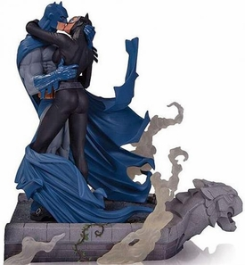 DC Collectibles Batman: Hush Batman & Catwoman Kiss Statue Pre-Order ships March