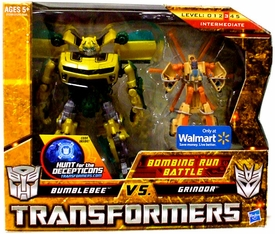 Transformers: Hunt for the Decepticons Exclusive Deluxe Action Figure 2-Pack Bombing Run Battle [Bumblebee vs. Grindor]