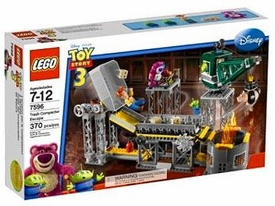 LEGO Disney Toy Story 3 Set #7596 Trash Compactor Escape
