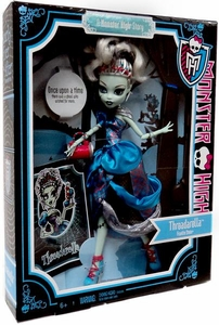 Monster High Scarily Ever After Exclusive Deluxe Threadarella Frankie Stein