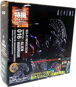 Aliens Revoltech #016 Sci-Fi Super Poseable Action Figure Alien Warrior Pre-Order ships July