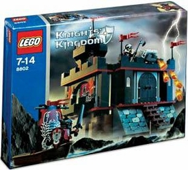 LEGO Knights Kingdom Set #8802 Dark Fortress Landing