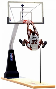 McFarlane Toys NBA Sports Picks Exclusive Deluxe Action Figure Shaquille O'Neal (Miami Heat) with Backboard