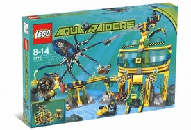 LEGO Aqua Raiders Set #7775 Aquabase Invasion Damaged Package, Mint Contents!