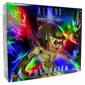 Alien Vs. Predator: Requiem Hot Toys Movie Masterpiece 16 Inch Model Figure Alien Hybrid [Predalien]
