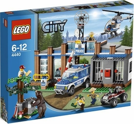 LEGO City Set #4440 Forest Police Station