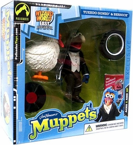 The Muppets Wizard World East Exclusive Action Figure Tuxedo Gonzo & Bernice