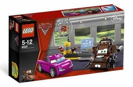 LEGO Disney Cars Set #8424 Maters Spy Zone