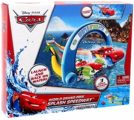 Disney / Pixar CARS Hydro Wheels Playset World Grand Prix Splash Speedway