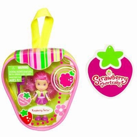 Strawberry Shortcake Hasbro Mini Doll in Purse Raspberry Torte [Version 2]