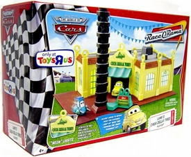 Disney / Pixar CARS Movie Exclusive Playset Luigi's Casa Della Tires