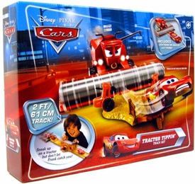 Disney / Pixar CARS Movie Playset Tractor Tippin' Track Set [Includes Plastic Frank & Lightning McQueen]