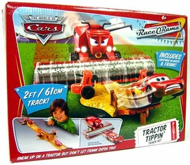 Disney / Pixar CARS Movie Race-O-Rama Playset Tractor Tippin' Track Set [Includes Plastic Frank the Combine & Lightning McQueen]