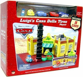 Disney / Pixar CARS Movie Playset Luigi's Casa Della Tires with 5 Bonus Cars [Luigi, Guido, Sally, McQueen & Doc Hudson]