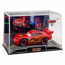 Disney / Pixar CARS 2 Movie Exclusive 1:43 Die Cast Car In Plastic Case Lightning McQueen