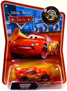 Disney / Pixar CARS Movie Exclusive 1:55 Die Cast Car Final Lap Lightning McQueen with Orange Cone