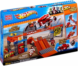 Hot Wheels Mega Bloks Set #91715 Super Stunt Test Facility