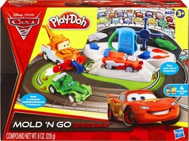 Disney / Pixar CARS 2 Movie Play-Doh Mold N Go Speedway