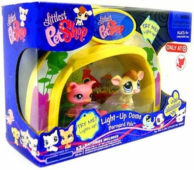 Littlest Pet Shop Exclusive Playset Light Up Dome Barnyard Pals [Pig & Cow]