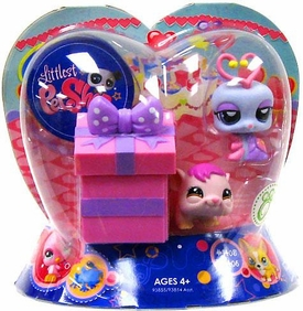 Littlest Pet Shop Exclusive Valentines Day 2-Pack Lovebug & Hamster with Present