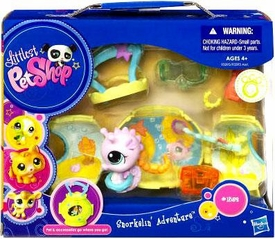 Littlest Pet Shop Pets On the Go Mini Pet Carrier Snorkelin' Adventure with Seahorse