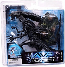 McFarlane Toys AVP Alien VS. Predator Movie Series 2 Action Figure Alien Queen