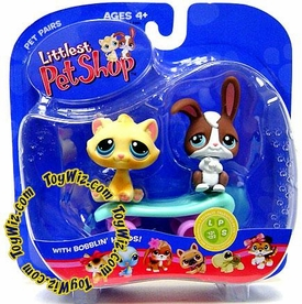 Littlest Pet Shop Pet Pairs Figures Bunny & Cat on Skateboard