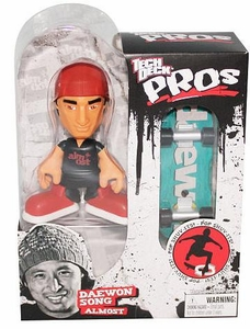 Tech Deck Pro Skater Action Figure with Skateboard Daewon Song [Almost]