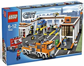 LEGO City Set #7642 Garage