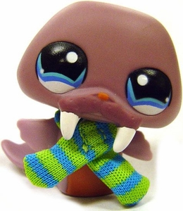 Littlest Pet Shop LOOSE Around the World Figure #1119 Iceland Walrus MEGA RARE!