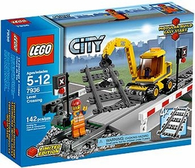 LEGO City Exclusive Set #7936 Level Crossing
